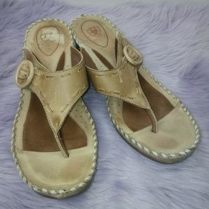Ariat side buckle leather sandals size 9.5B